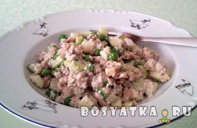 Сыроедный салат Оливье